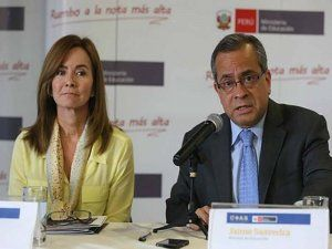 New Peruvian education minister Marilú Martens on the left with her prodessor Jaime Saavedra